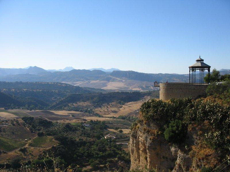 Ronda est entourée des montagnes de la Serrania de Ronda